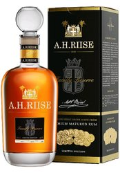 AH Riise Familly reserva  0.7l